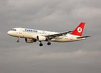 cgn/low/TC-JLB - A320 Turkish - CGN 31-10-06 (1).jpg