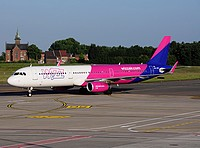 crl/low/HA-LXB - A321-231 Wizzair - CRL 09-06-2016b.jpg