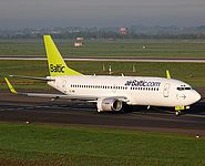 dus/low/YL-BBI - B737-700 Air Baltic - DUS 05-10-07.jpg
