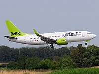 fco/low/YL-BBY - B737-36Q Air Baltic - FCO 28-05-2018.jpg