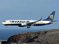 lpa/low/EI-DYT - B737-8AS Ryanair - LPA 17-02-2011.jpg