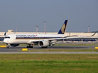 mpx/low/9V-SMC - A350-941 Singapore Airlines - MXP 11-06-2017.jpg