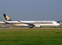 mpx/low/9V-SMC - A350-941 Singapore Airlines - MXP 11-06-2017b.jpg