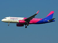 mpx/low/HA-LYR - A320-232 Wizzair - MXP 12-06-2017.jpg