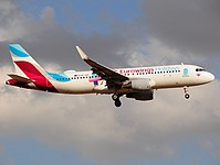 pmi/low/OE-IQD - A320-214 Eurowings Holidays - PMI 25-07-2017.jpg