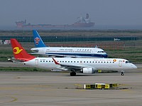 pvg/low/B-3152 - Embraer190 TianjinAirlines - PVG 03-04-2018.jpg