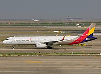pvg/low/HL8059 - A321-231 Asiana Airlines - PVG 03-04-2018.jpg