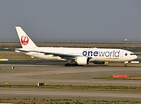 pvg/low/JA708J - B777-246ER JAL One World - PVG 03-04-2018.jpg