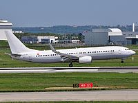 tls/low/TC-SGI - B737-800 Saga Airlines - TLS 28-04-2010.jpg