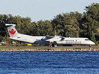 ytz/low/C-GGND - Dash8-400 Air Canada Express - YTZ 06-07-2018b.jpg